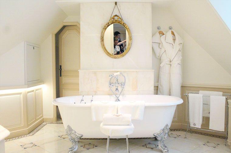 Visite du Palace Le Meurice à Paris. Bathroom luxury hotel. | Retro ...
