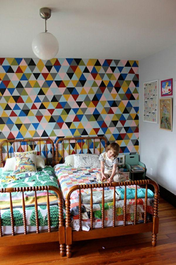kinderzimmer mit origineller wandgestaltung - buntes farbschema - 62
