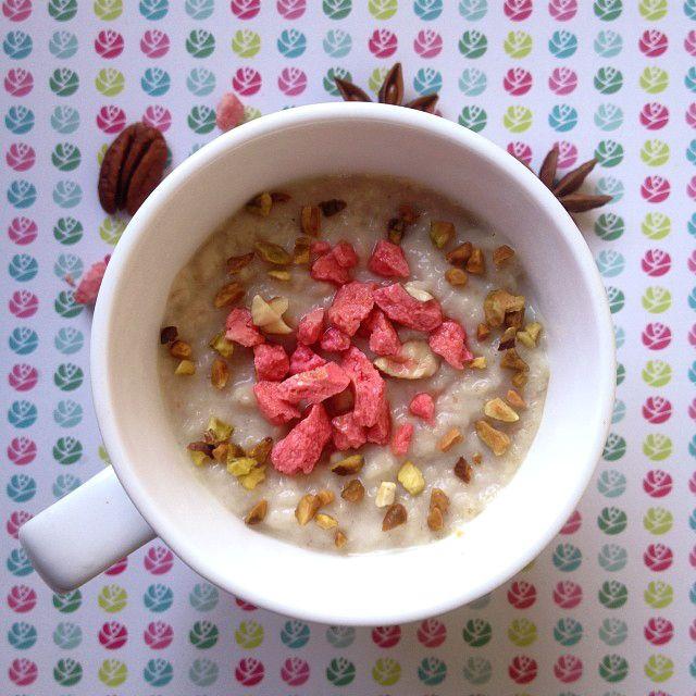 Porridge avoine et pralines roses : http://www.closeupfactory.com/article-recette-vegan-porridge-d-avoine-aux-pralines-roses-122393779.html #valentineday #valentine #porridge #vegan #vegetarien