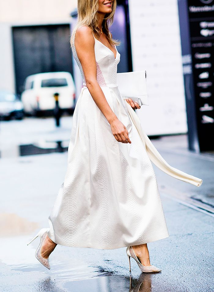 Shoe color for off white dress