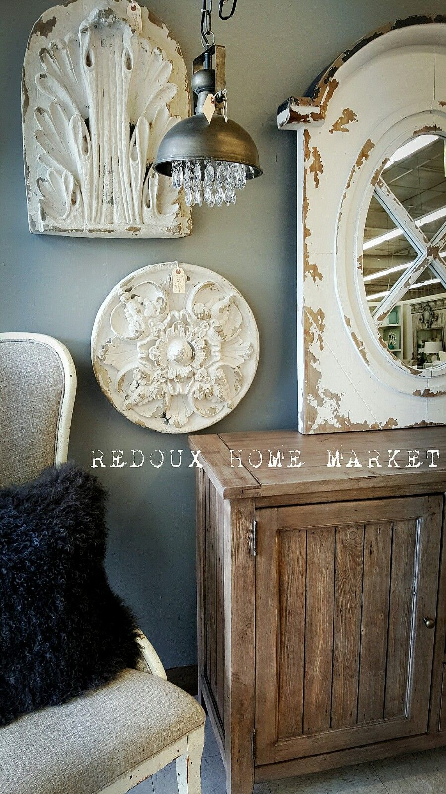 Farmhouse mirror with medallions
