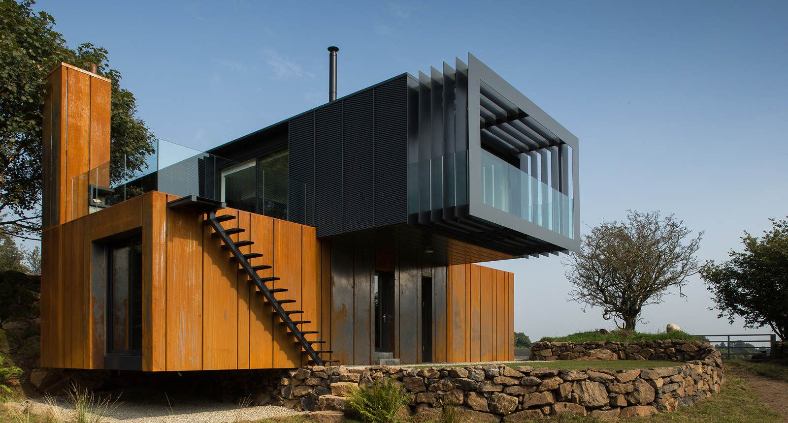Container Haus Nordirland Stunning Home Composed Of 4 Shipping Containers By Pb