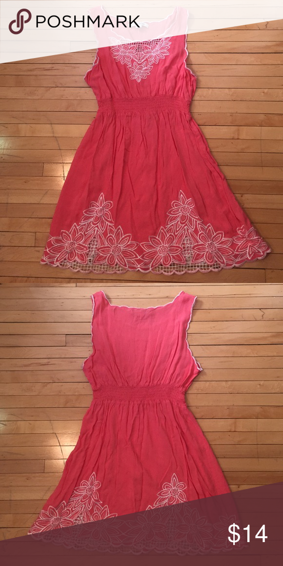 Dress with flower detail Coral dress with white stitched flowers. Middle has elastic stretchy band. Only worn a couple times. Forever 21 Dresses