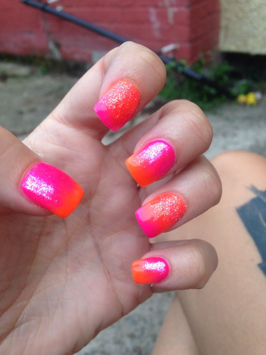 Orange and pink fade effect silky glitter. Perfect summer nails ...