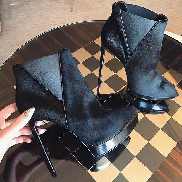 #boots #heels #ysl #black #details #style #fashion