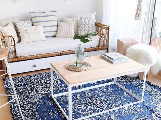 E s p a c i o s a p a t h e i a hoy alfombra persa en for Alfombra persa azul