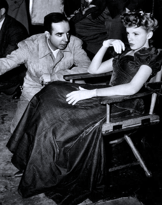 "Judy Garland on the ""Meet Me in St. Louis"" set being directed by her future husband Vincent Minnelli"