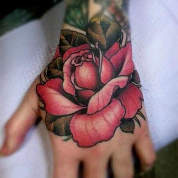Hand Tattoo rote Rose