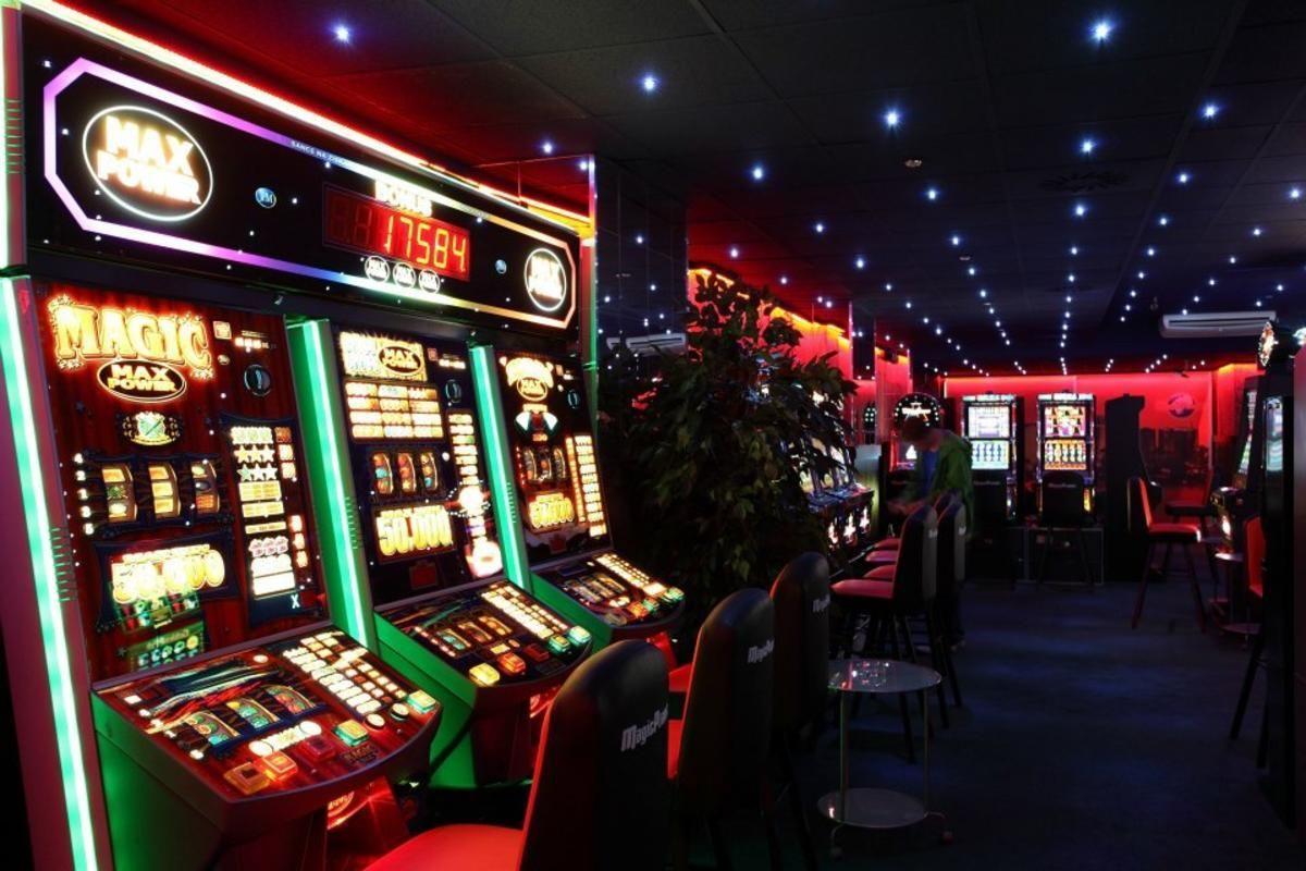 Азартные игровые автоматы on-line работа на арабских эмиратах в казино