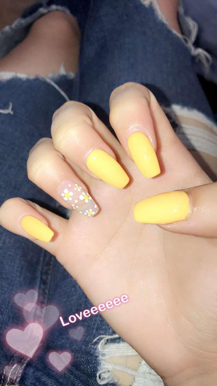 My spring nails yellow nails daisy acrylic long