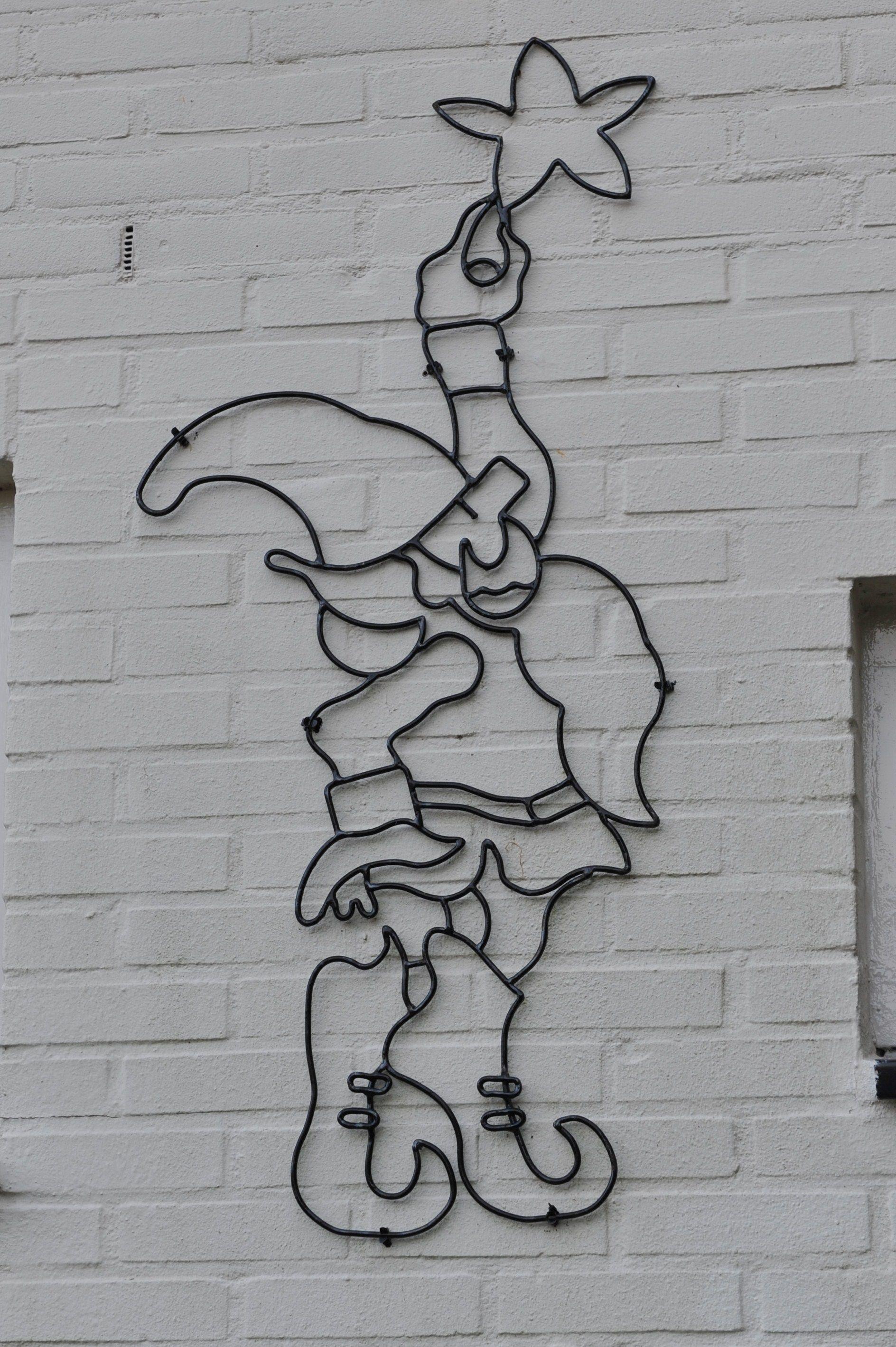 Gemaakt door mijn vader...  Logo voor het Belevingshuus gemaakt draadstaal...