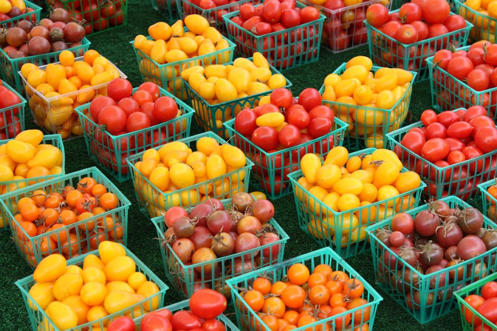 Food that Inspires cherry, grape and pear tomatos Food