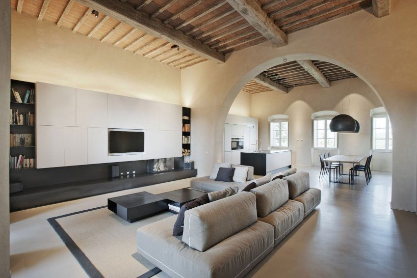 Cmtarchitects remodel a fifteenth century villa in monteriggioni italy
