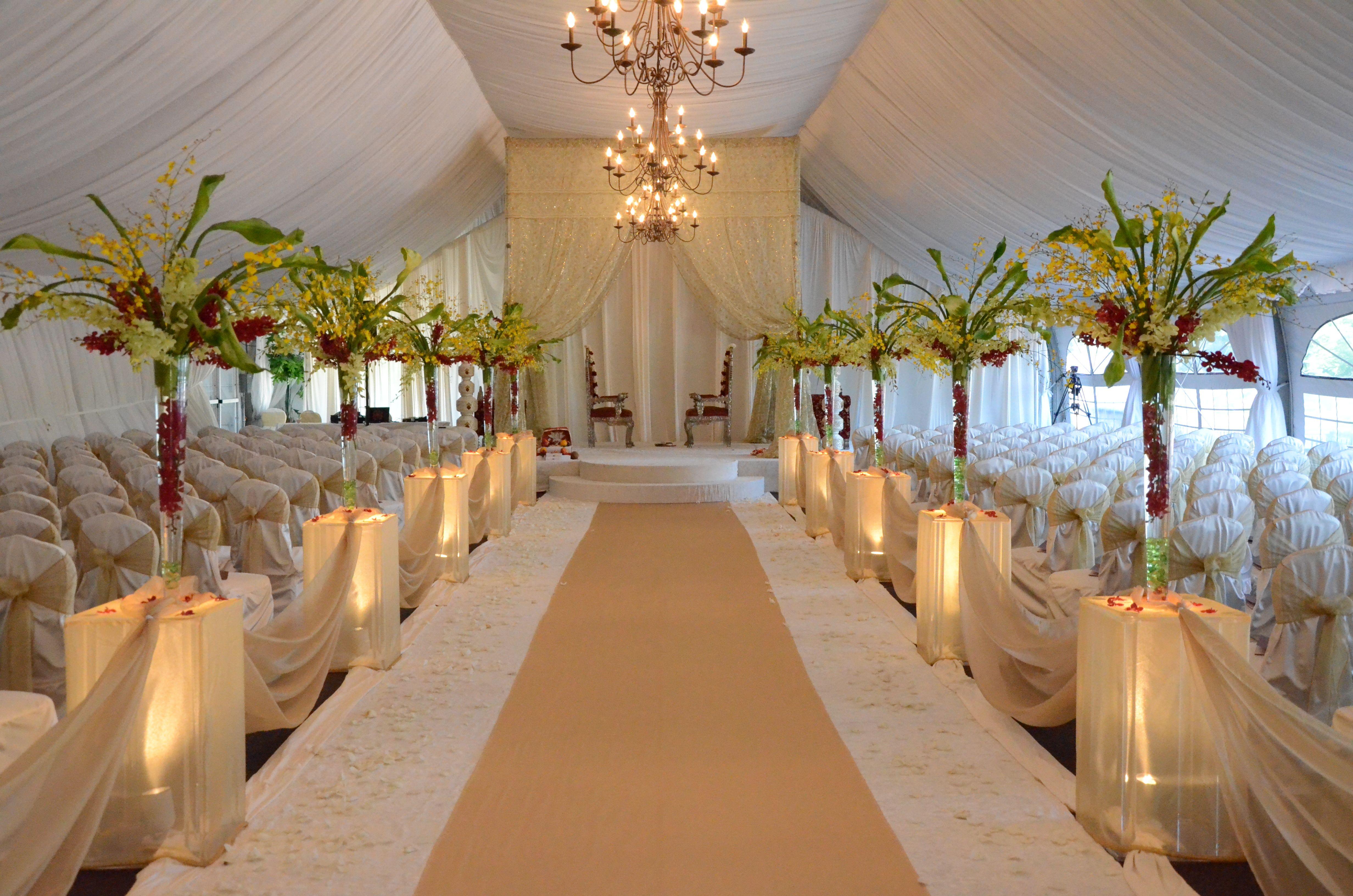 Tropical Wedding Ceremony Design. #flowers #wedding