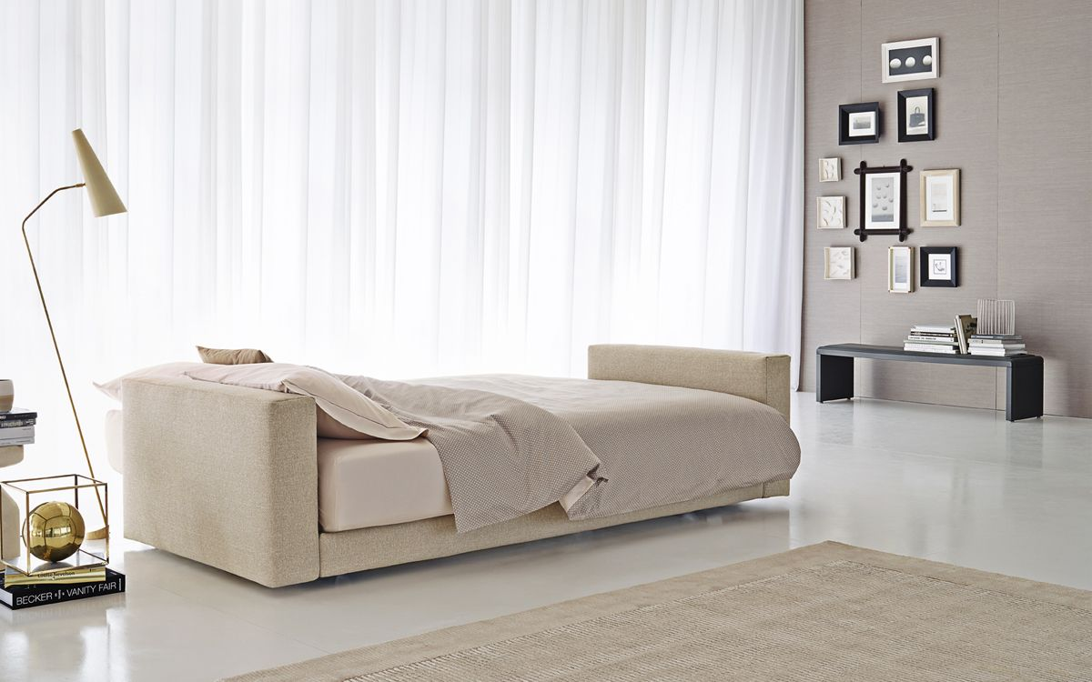 Divano Letto Flou Piazza Duomo.This Is The Perfect Combination Of Sofa And Bed Piazzaduomo By