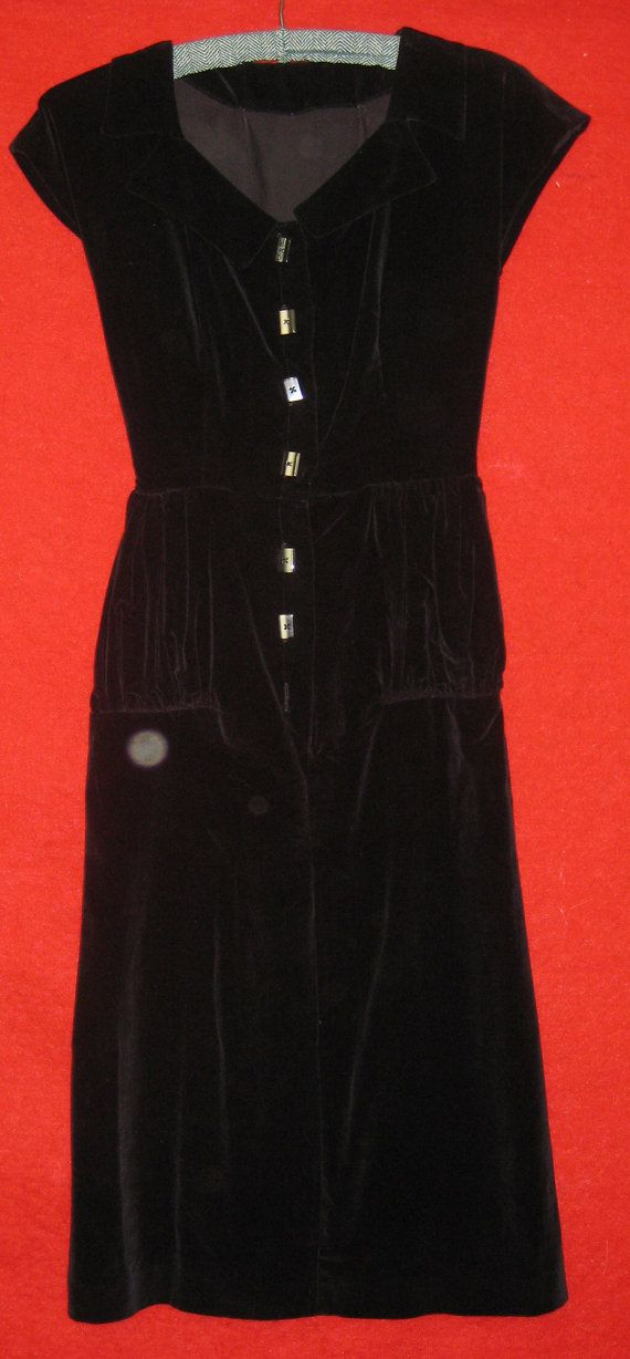 1940s Velvet Evening Dress Wiggle Slim Style by oldclothes on Etsy, $45.00