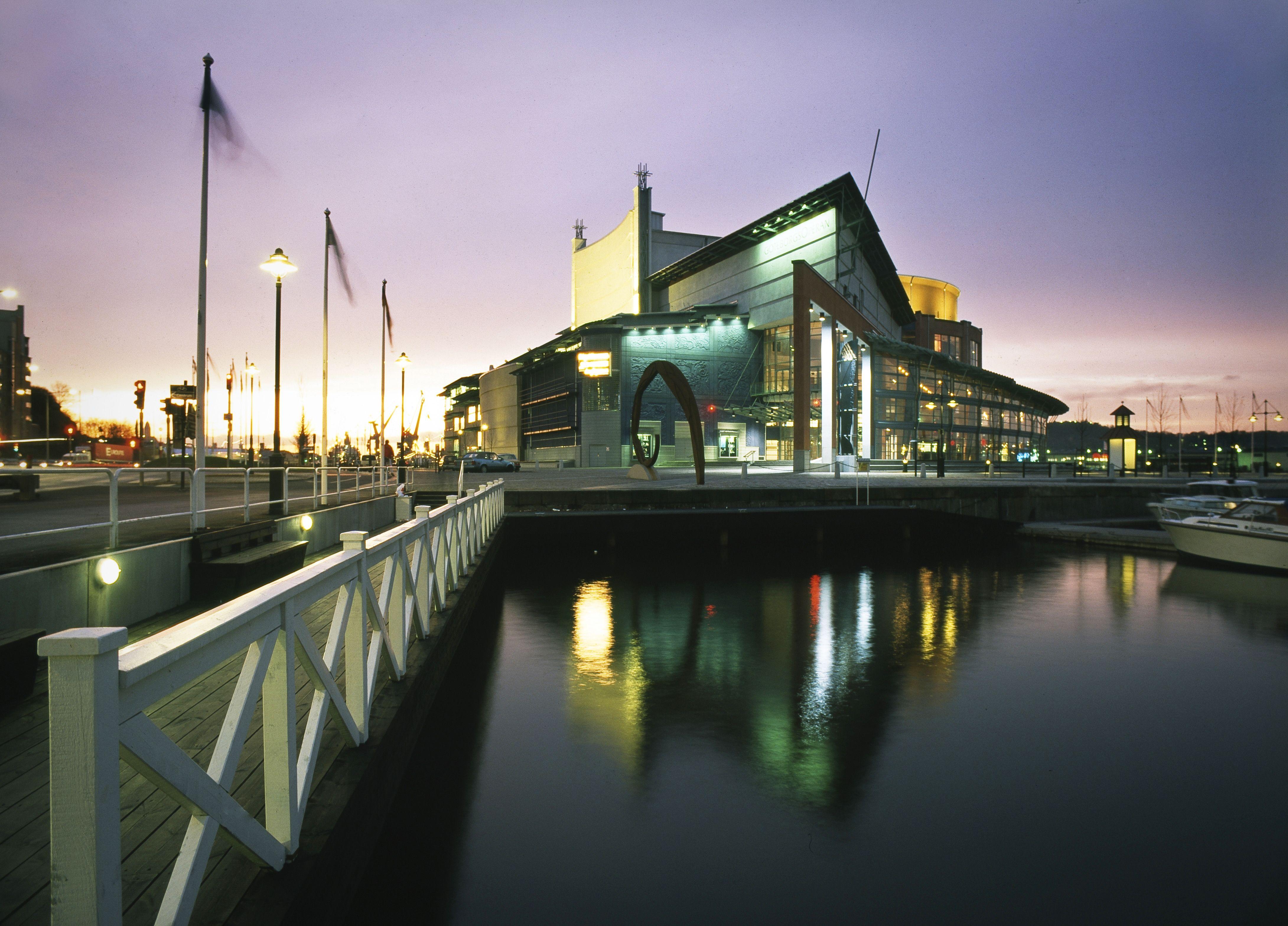 The Gothenburg opera house, architect Jan Izikowitz. Photo: Jorma ...