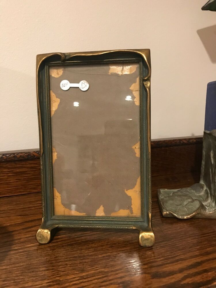 Vintage 1920 S Pie Crust Picture Frame With Glass 5 2x 8 75 Nice Stand Up Frame Artscraftsmissionstyle Frame Metal Picture Frames Gold Picture Frames
