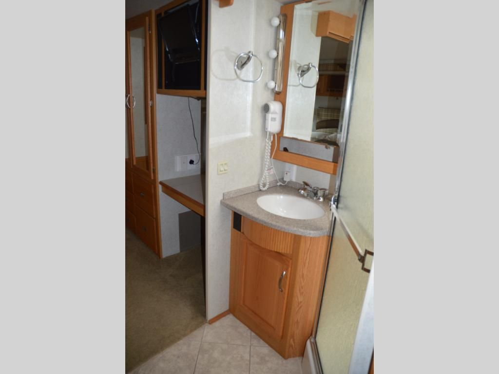 Used itasca suncruiser v motor home class a at paul evertus
