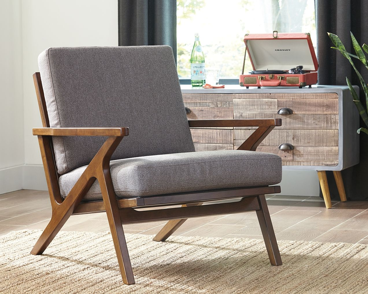 Wavecove accent chair brown