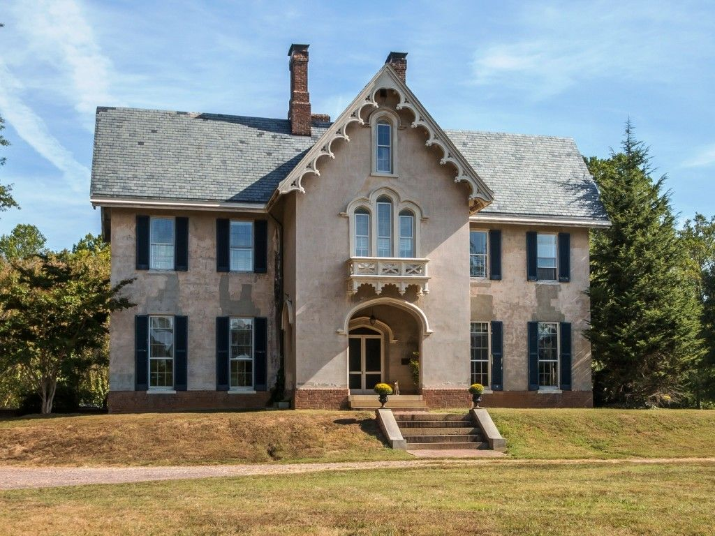Home architecture 101 gothic revival gothic revival for Gothic victorian house