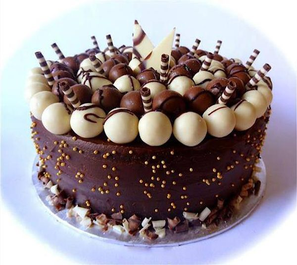 Chocolate Birthday Cake And Best Birthday Wishes Birthday Messages