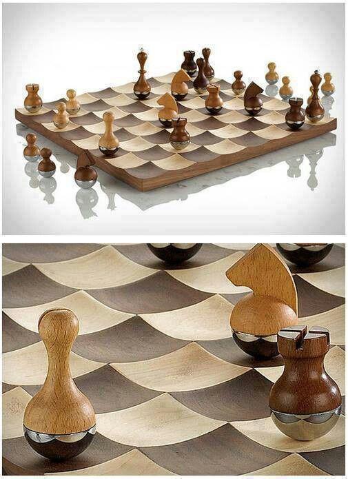 Wobbly Chess Boite A Outils En Bois Jeux En Bois Jeu Echec