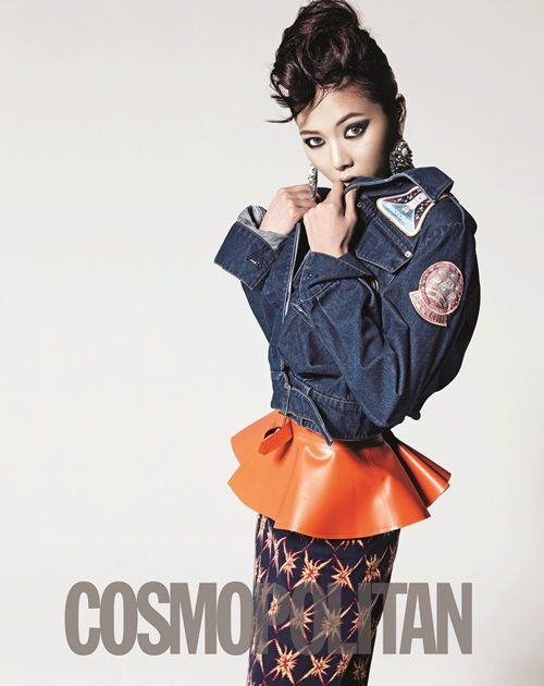 4Minute Hyuna works it for Cosmo 2012 with fellow members
