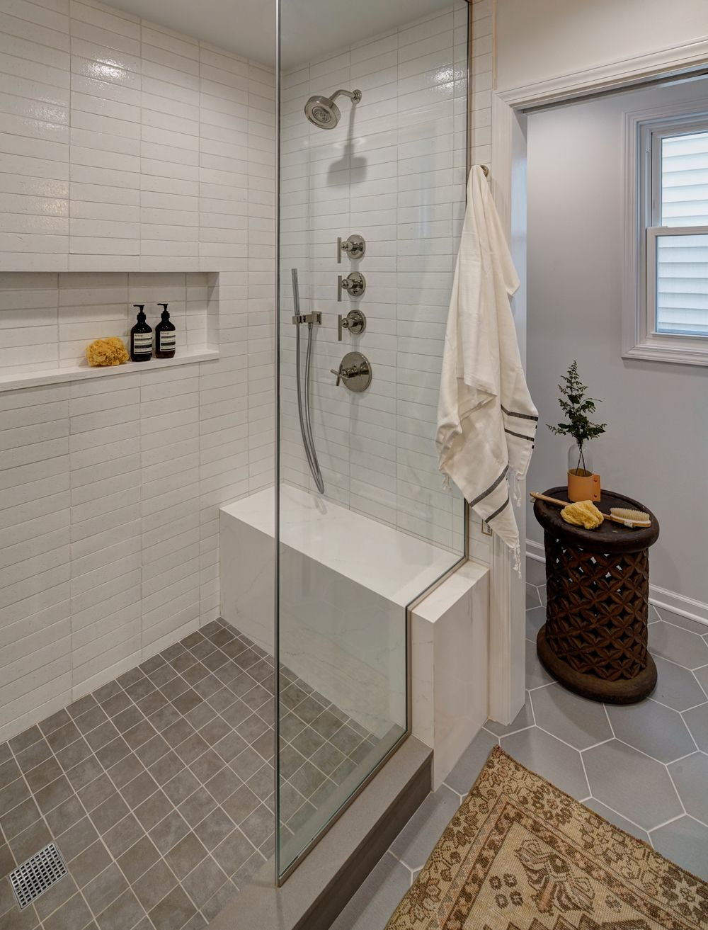 Crafting an Open + Airy Bathroom Retreat without Changing