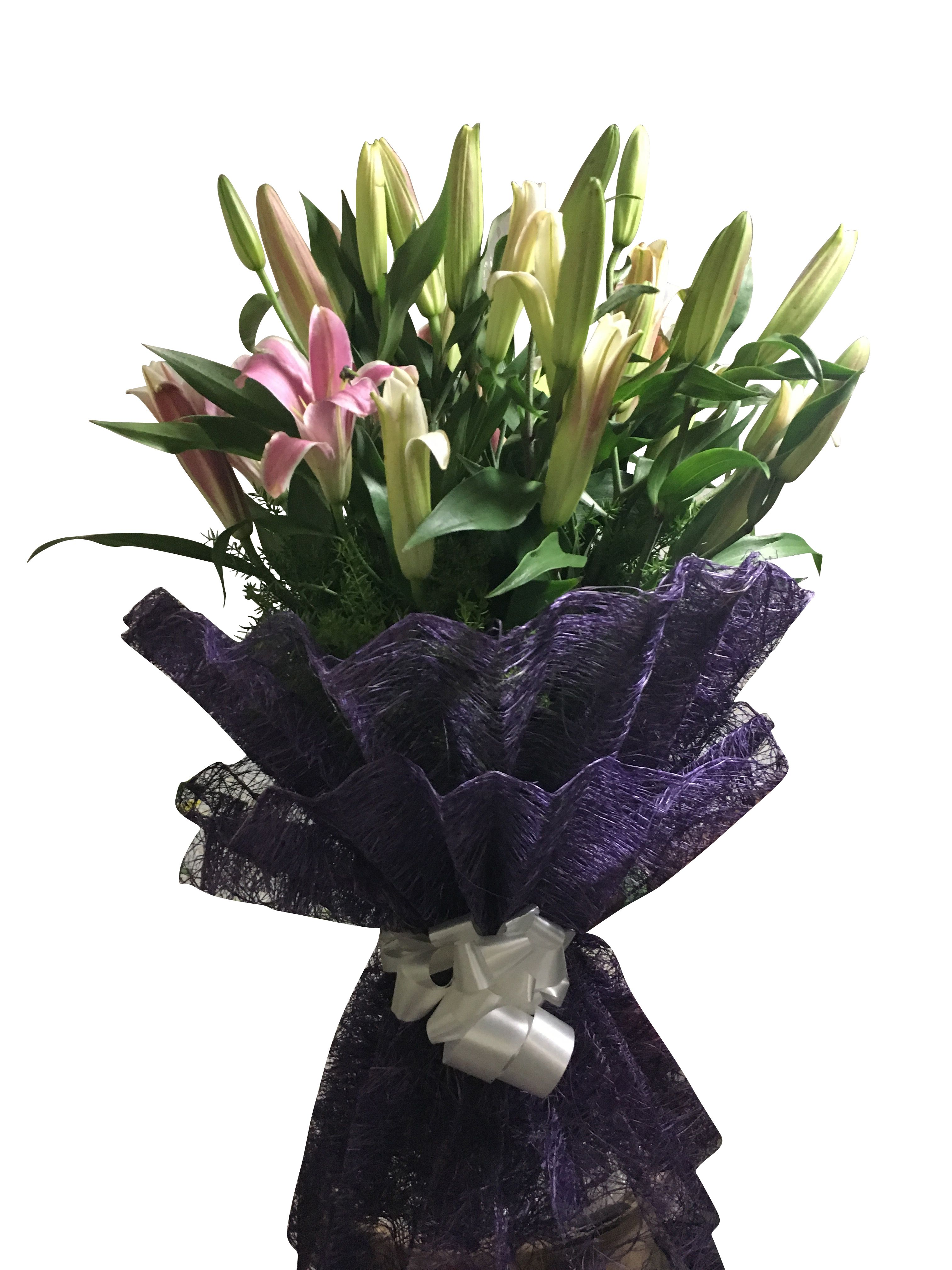 Flower bouquets with a twist from BloomsOnly. Same day