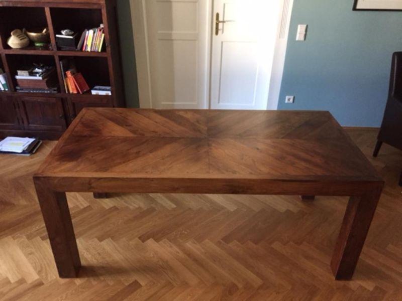 Der Tisch Stammt Aus Dem Einrichtungshaus Kokon In München.Die Maße Des  Tisches Sind 180x90cm