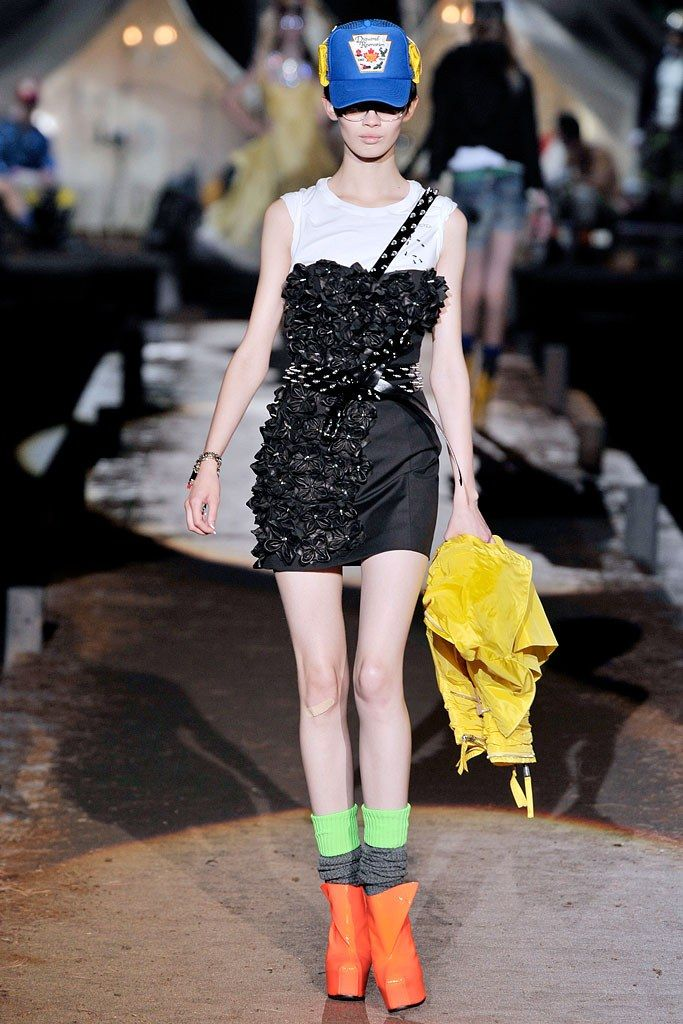 Dsquared2 Spring 2010 Ready-to-Wear Fashion Show - Ranya Mordanova