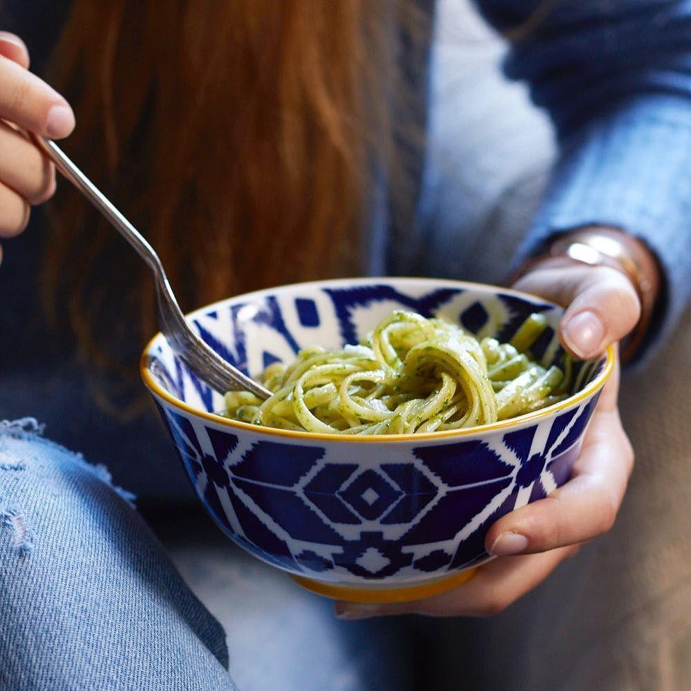 Grünkohl Pesto oder wie Hipster sagen würden: Kale-Pesto!  das Rezept findet Ihr auf dem Blog denn das Monatsmotto der #gemüseexplosion lautet Kale.. äh Grünkohl