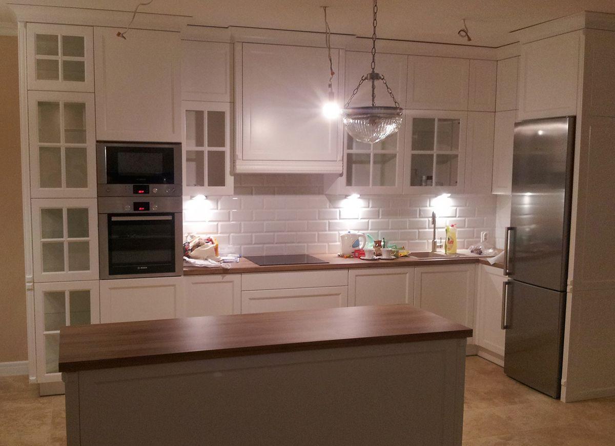 Kuchnia Angielska Z Witryna I Wyspa Przesuwna Anir Pl Producent Mebli We Wroclawiu Kitchen Decor Home Decor