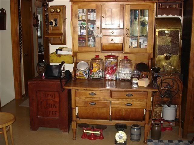 Would LOVE this possum belly baker's cabinet....no more room ...
