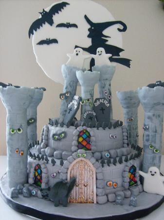 Castle Decorating Contest Winners   Halloween cakes ...