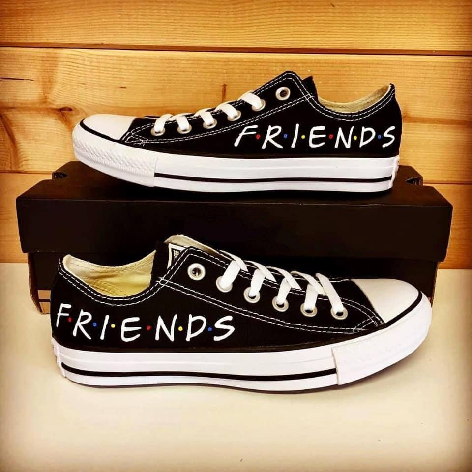 Pin by Red Witch on Friends tv show in 2019 | Converse shoes