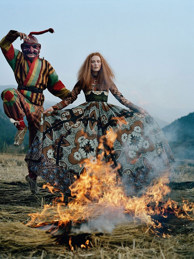 Karen Elson is captured by Tim Walker for Vogue UK May 2015. Styled by Kate Phelan. Hair by Duffy. Make-up by Samantha Bryant.