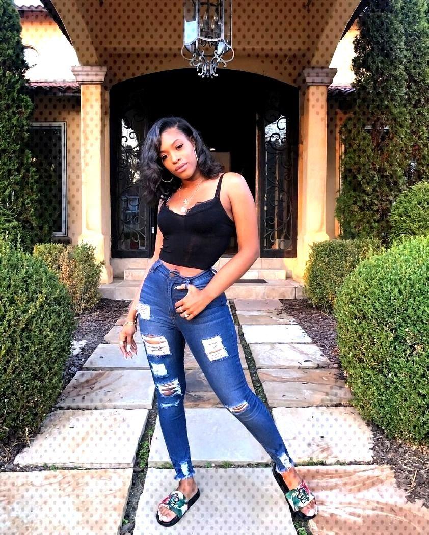 Model: @erickaajanae  -