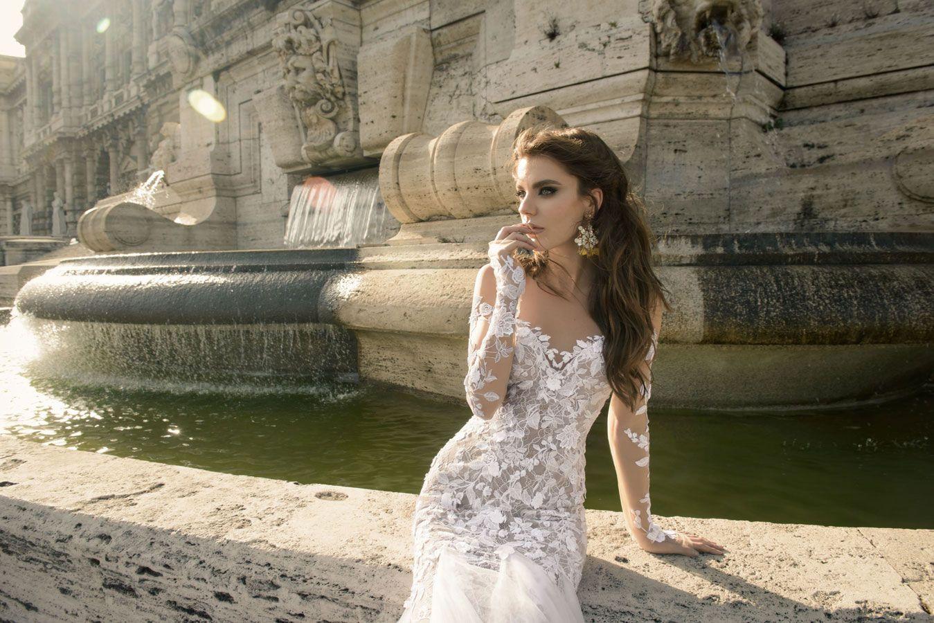 Long sleeve lace wedding dress by Julie Vino wedding dresses 2017 | I take you #weddingdress #weddinggown