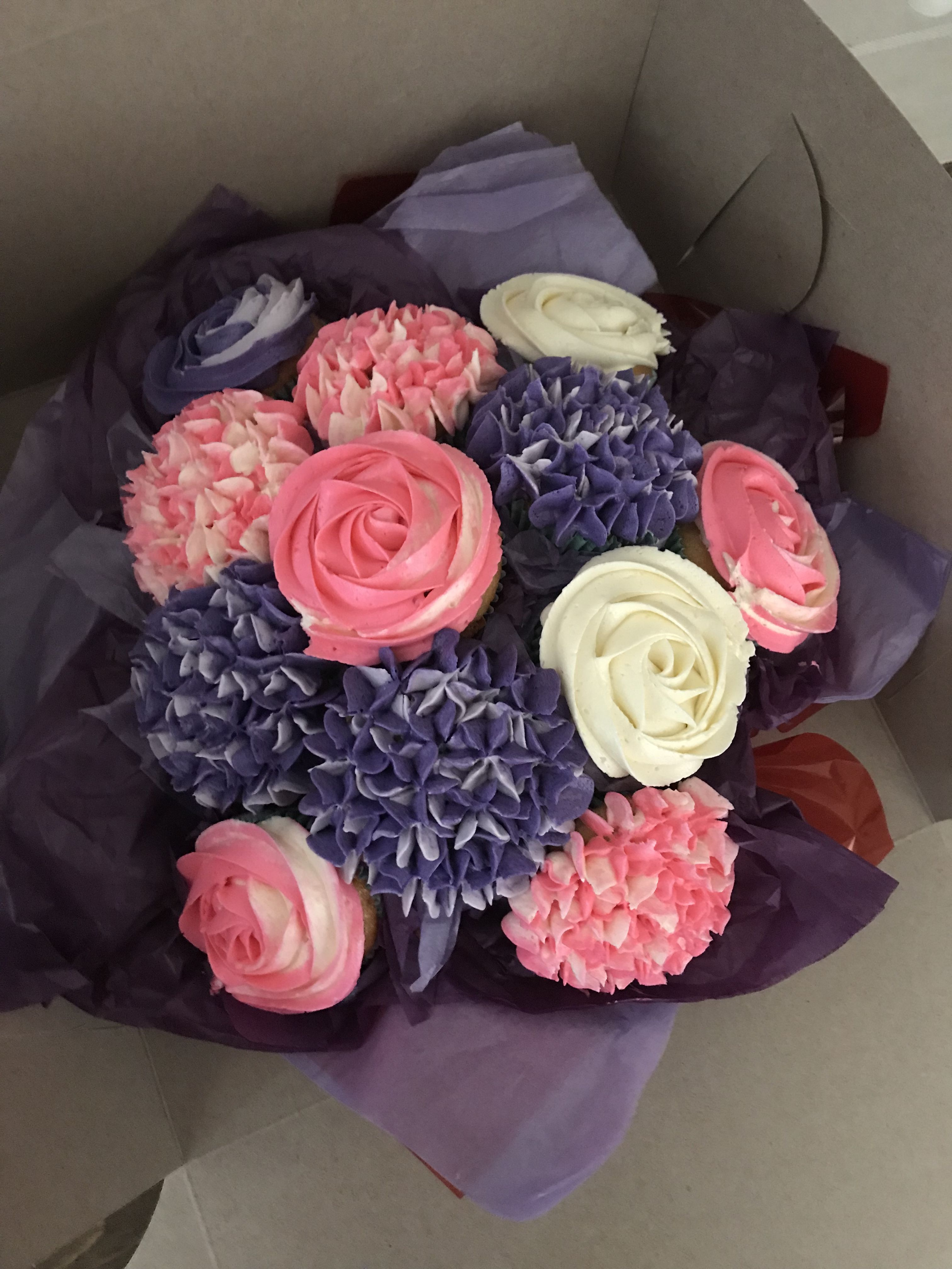 Flower bouquet of cupcakes cakes in pinterest cupcakes