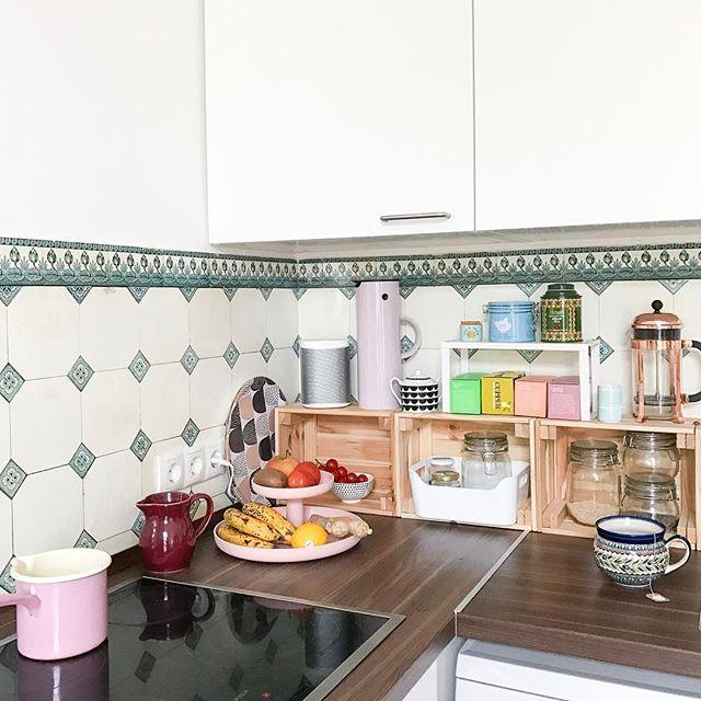 Ordnung In Der Kuche Mit Holzkisten Von Ikea Arbeitsflache Kuche Ordnung In Der Kuche Arbeitsflachen