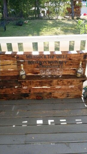 Recycled Pallet patio wall