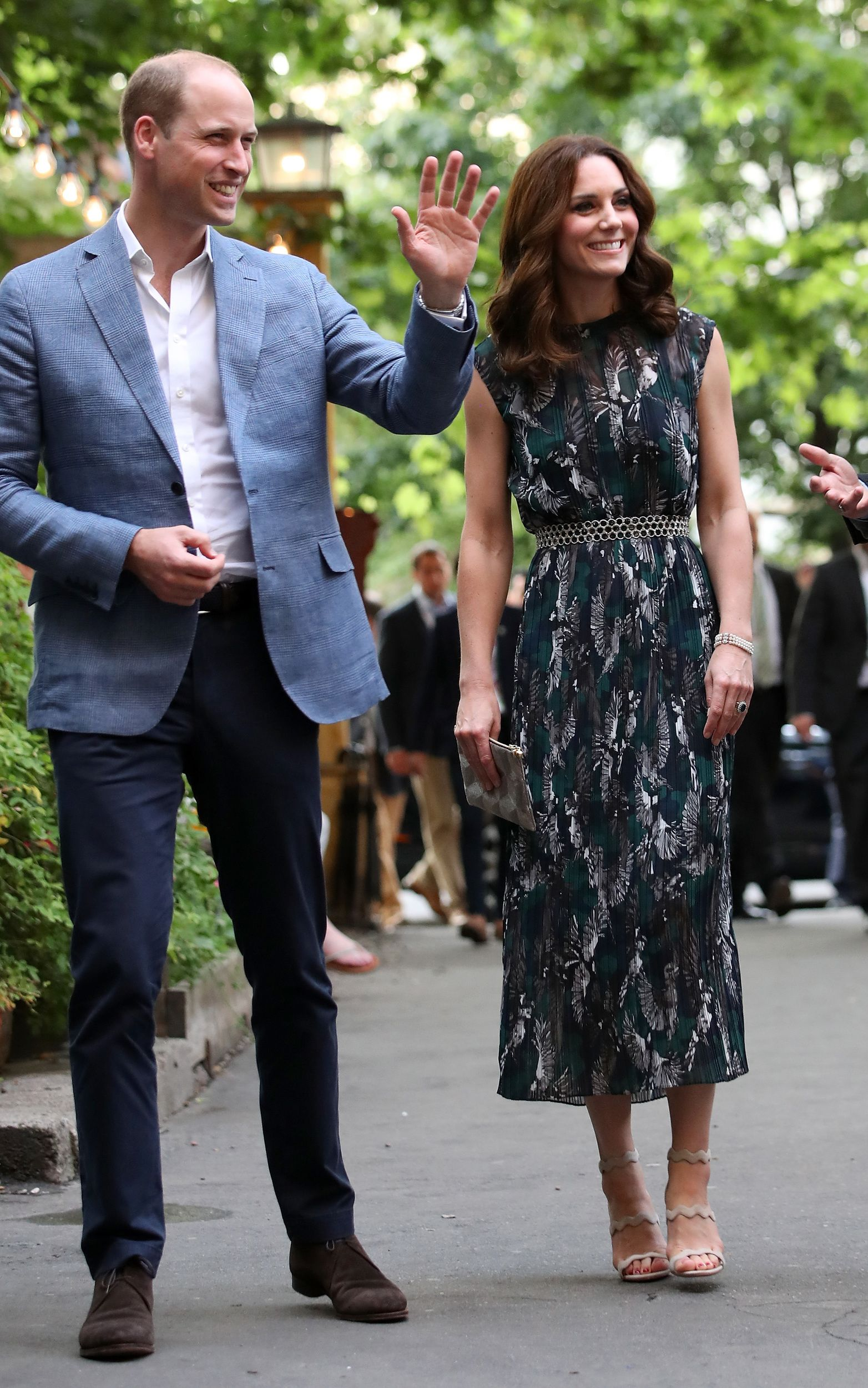 See Every Single One Of Duchess Kate S Looks From Royal Family S Tour Kate Middleton Outfits Kate Middleton Style Middleton Style