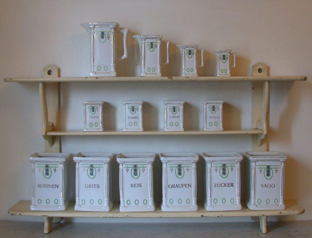 Jugendstil Wandregal + Porzellan Behälter Vorratsdosen in