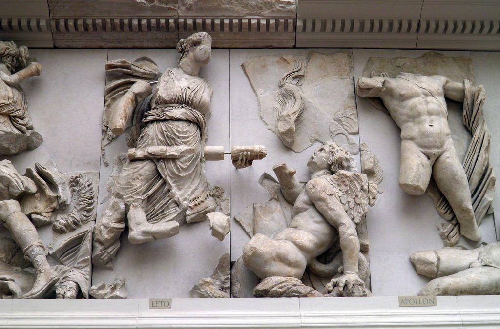 Leto Apollon Gigantomachy Frieze Pergamon Altar Pergamon Museum Berlin Pergamon Western Sculpture Pergamon Museum