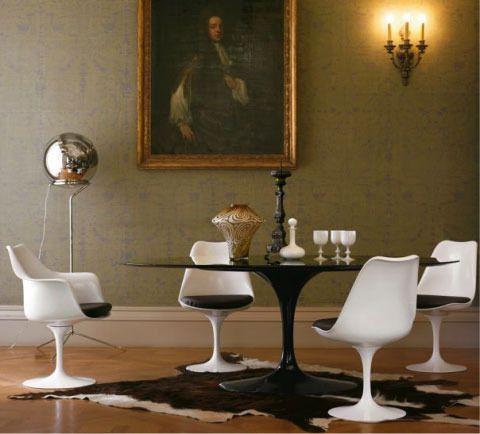 Wonderbaar The (Elusive) Saarinen Tulip Table in Black | Tafel en stoelen YI-37