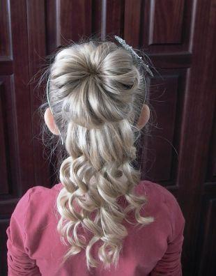 Kindergarten Graduation Hairstyles 38 Photos Of The Best Ideas Girls Updo Hairstyles Hair Styles Little Girl Hairstyles