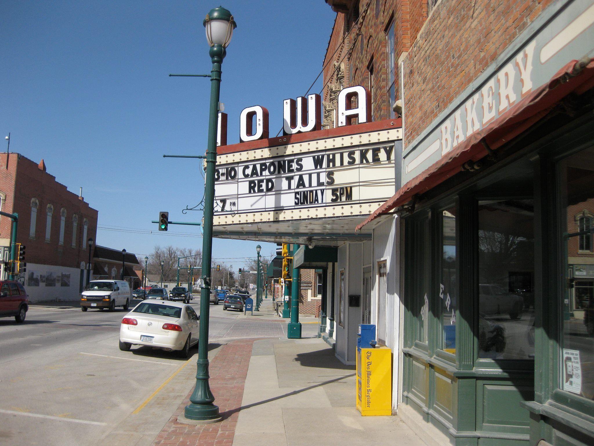 iowa theatre in winterset ia cinema nostalgia