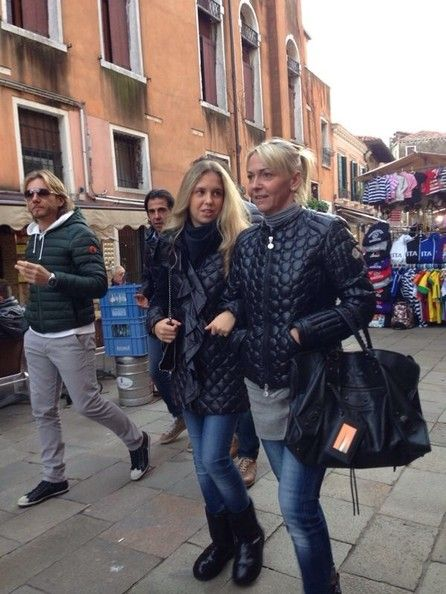 Giorgia Marin and her mom photographed while strolling in ...